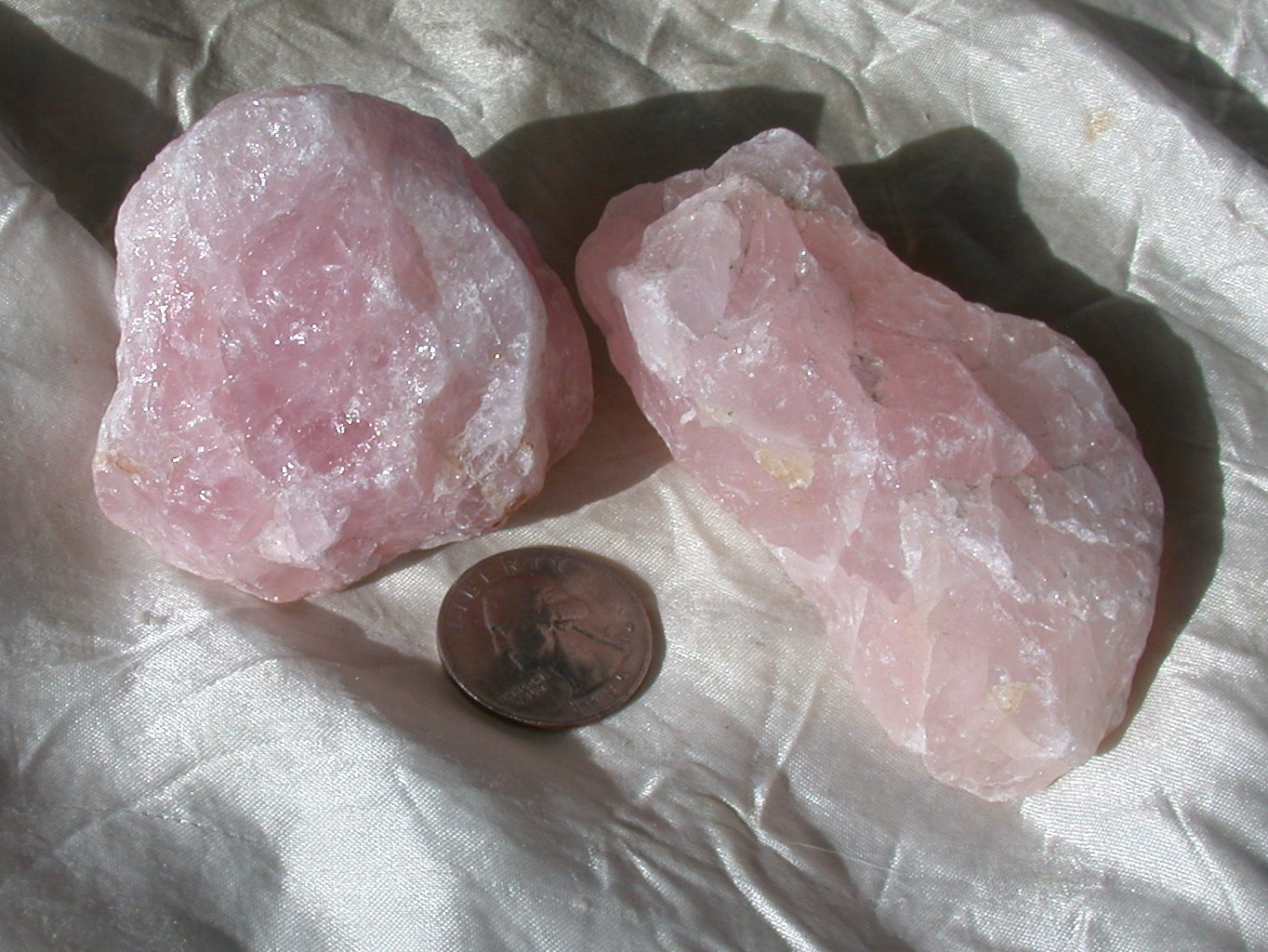 Rough Quartz Rose cat's eye